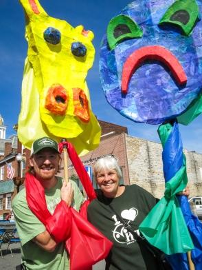 2013 : 0082 puppet parade